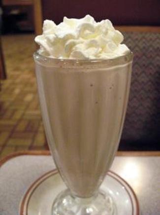 TN6459_chocolate-milk-shake