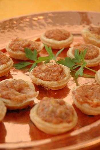appetizers_camembert_ham_tarts_300x450