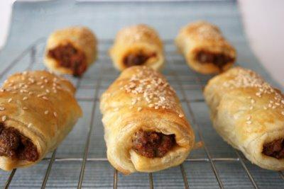chicken-ricotta-sausage-rolls