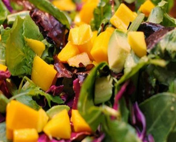 mango salad with grilled chicken