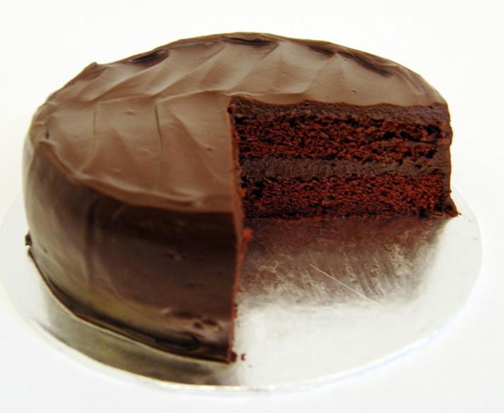 mid_all_chocolate_cake2