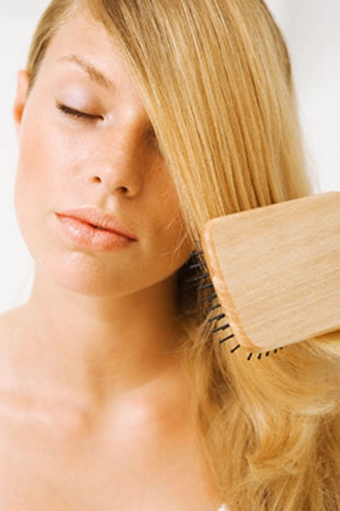 pic_of_hair_brushing