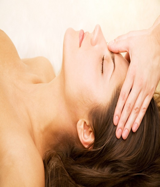reiki_therapy,_natural_cancer_support,_relaxation,_healing,_stress_and_pain_relief
