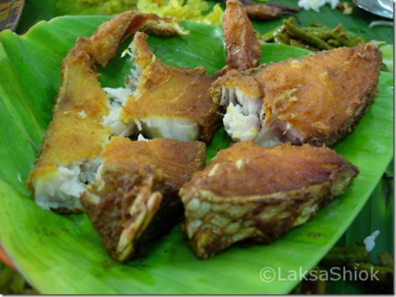 banana leaf fish