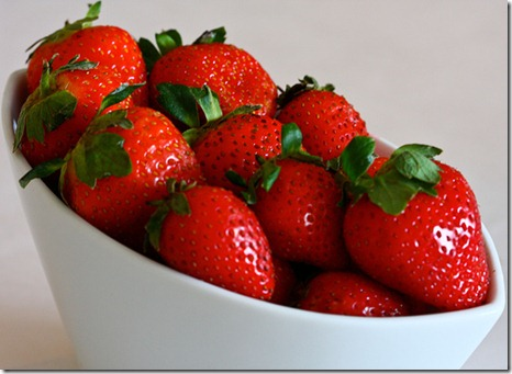 20100514-inseason-strawberry-1