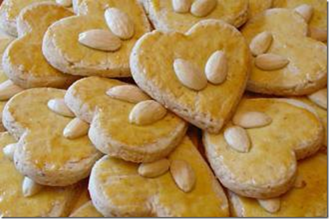 heart almond biscuits