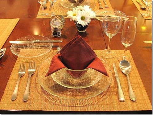 set-table-holiday-dinner-800X800