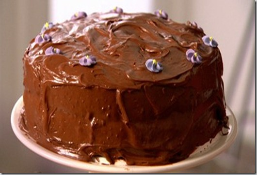 Lawson---Nigella-Feasts---old-fashioned-choc-cake