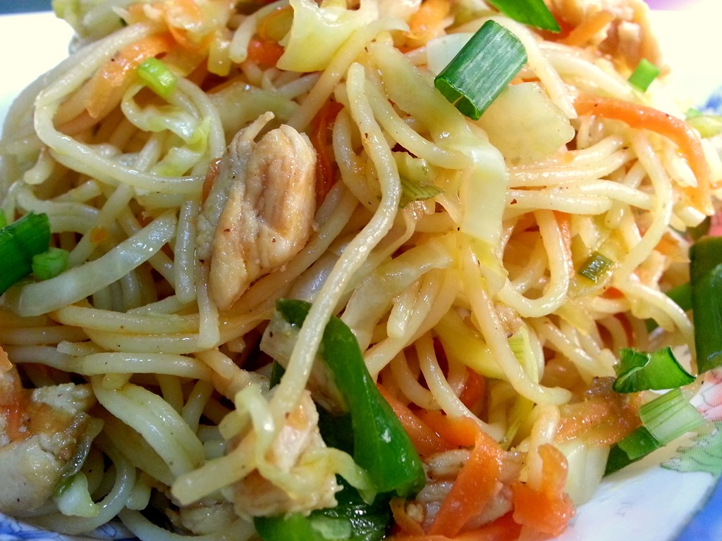 How to cook chicken chow mein