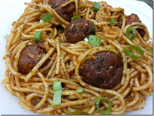 noodles with meatballs